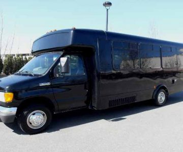18 passenger party bus Clarksville