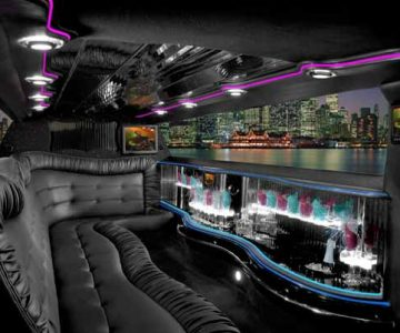 Chrysler 300 limo interior La Vergne